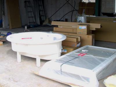 システム化されたユニットバスの良さ バスタブと洗い場搬入